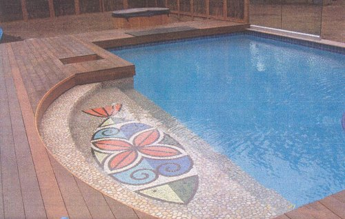 Decorative step out from pool